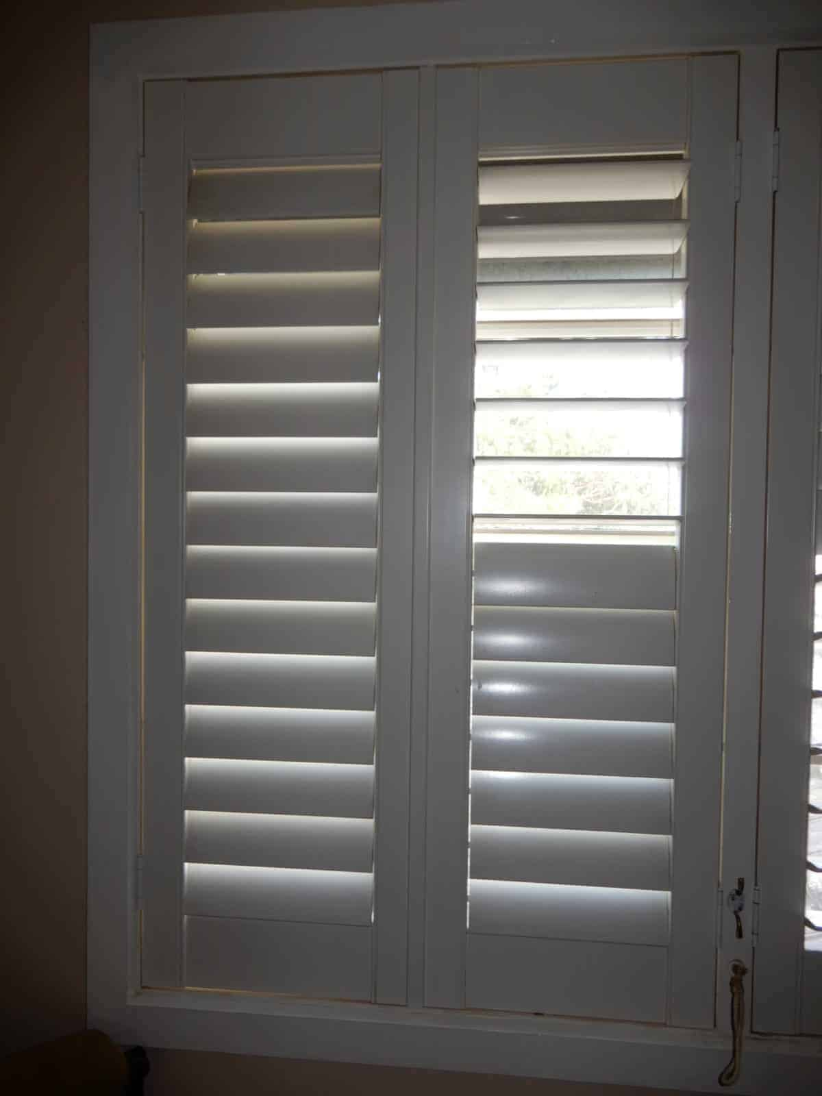 Plantation Shutters Off White 810w X 1300h Now Removed 6i Sell4you